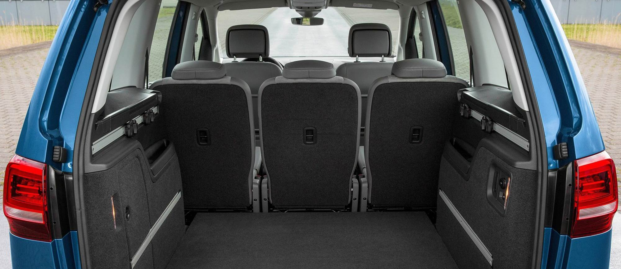 volkswagen sharan monospace en vente charleroi et namur. Black Bedroom Furniture Sets. Home Design Ideas